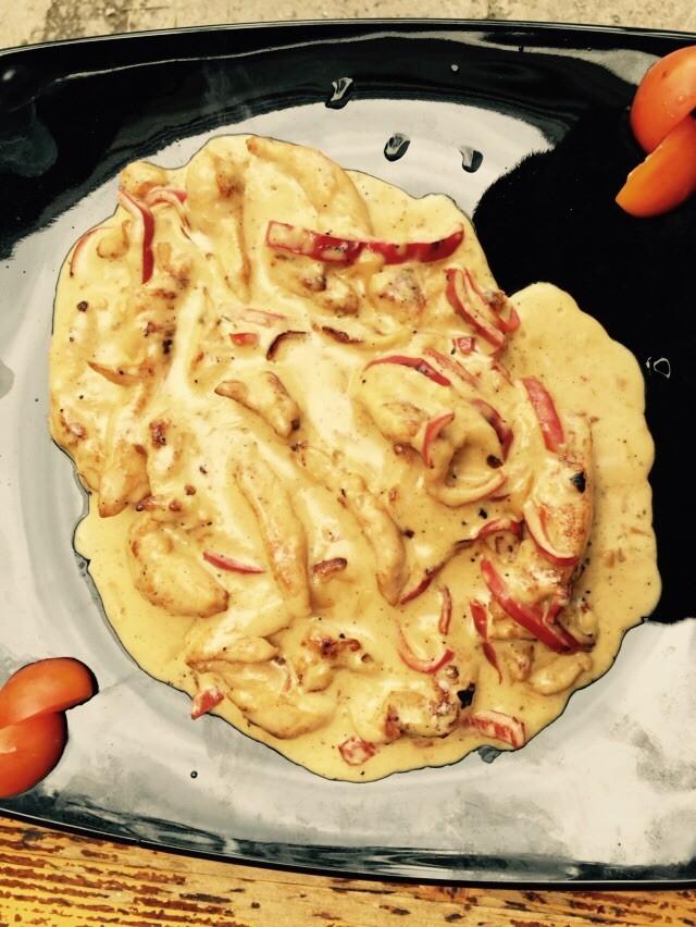 ново Пилешки жулиени в сос от топено сирене
